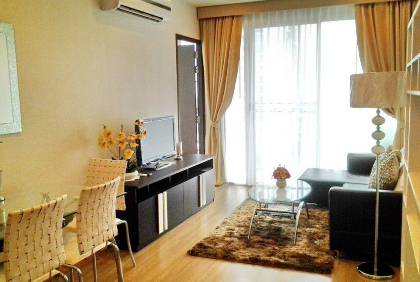 1.Skywalk-livingroom-terrace