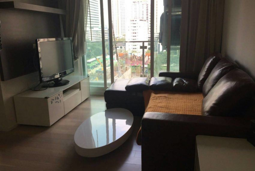 15 Residence Condo at Asoke 1-bedroom sale - living room