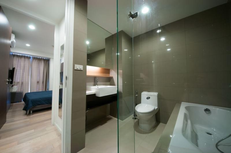 15 Sukhmvit Residences-sale-bath room1