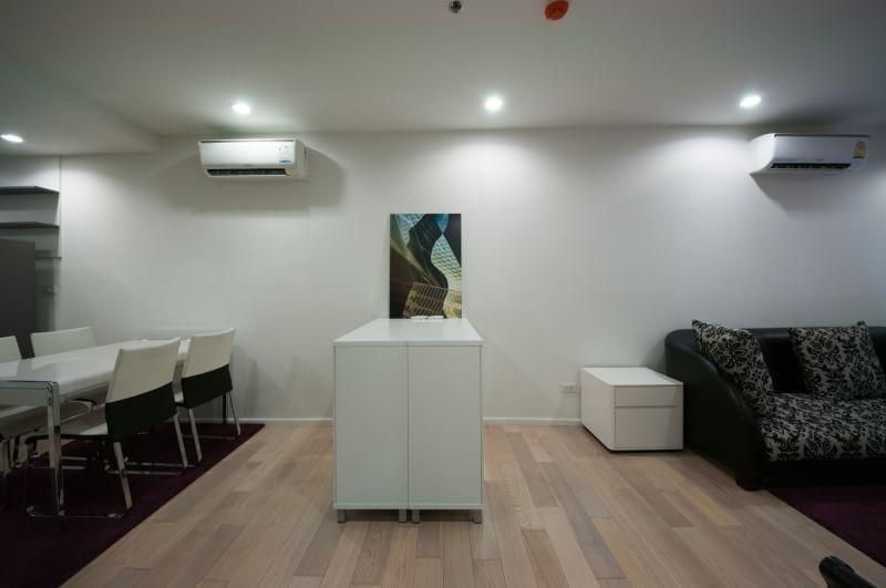 15 Sukhmvit Residences-sale-living room1