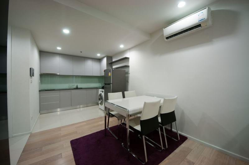 15 Sukhmvit Residences-sale-living room2