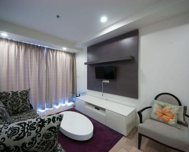 1-bedroom Near BTS Asoke Sale in 15 Sukhumvit Residences - Corner Unit