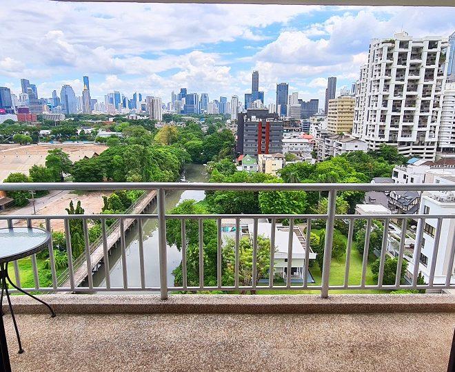 Park-view condo for sale in Sukhumvit 8 - 2-bedroom - mid-floor - Lake Green