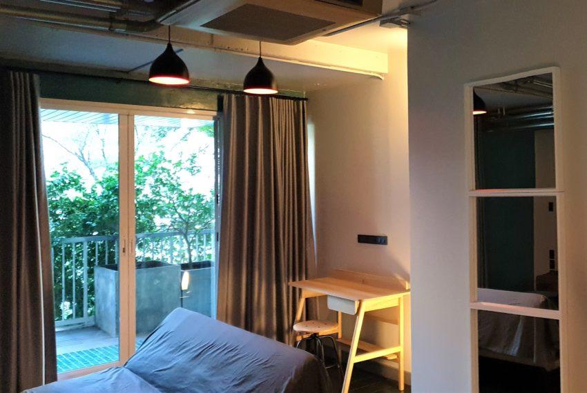 3-bedroom condo in Urbana - 2nd balcony