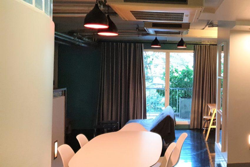 3-bedroom condo in Urbana - big balcony