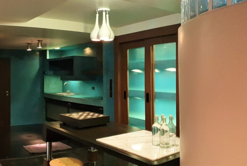 3-bedroom condo in Urbana - kitchen equipped