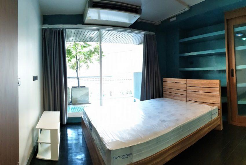 3-bedroom condo in Urbana - master bedroom