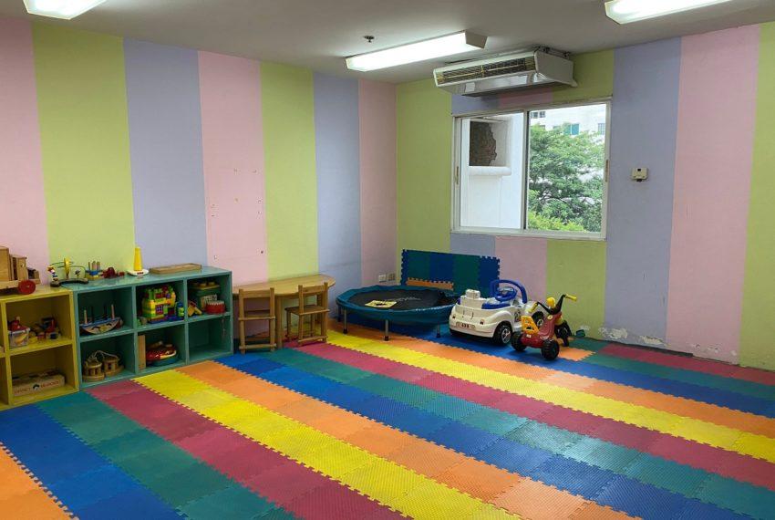 33 Tower - kids playground