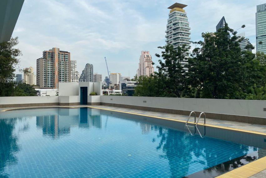 33 Tower - swimming pool