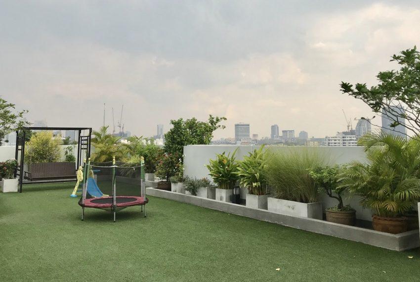 39 Suites - playground