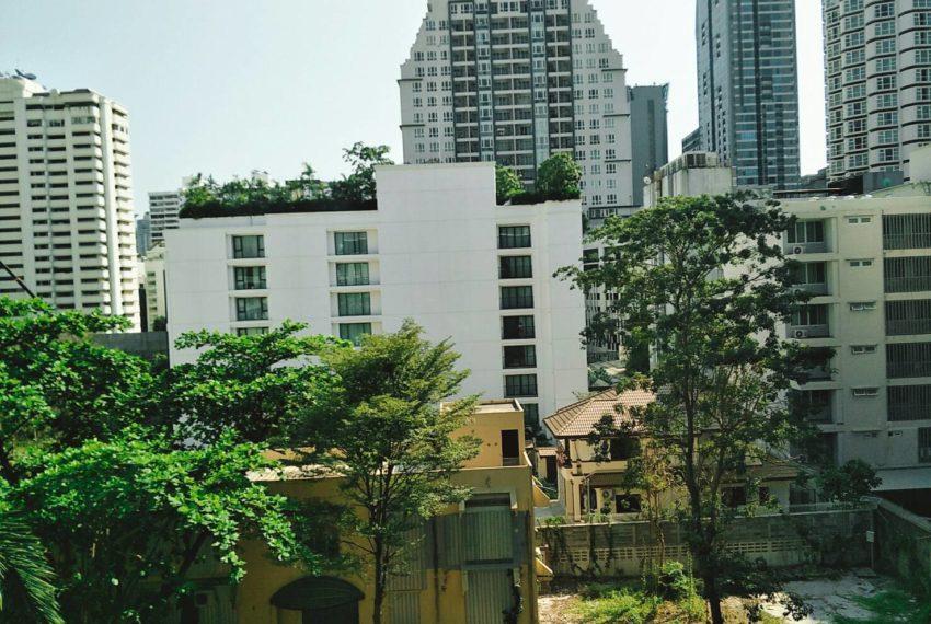 44359Warrana Suite condo -Seller-view balcung