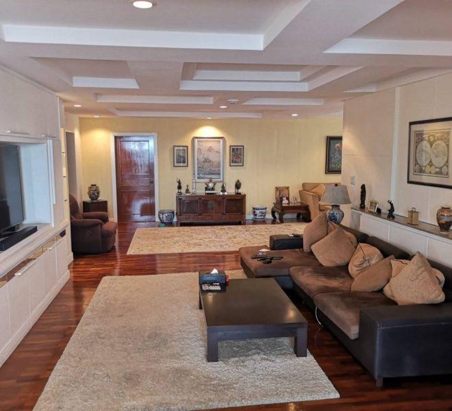 3-bedroom condo in Prompong for sale - high floor - best price - President Park