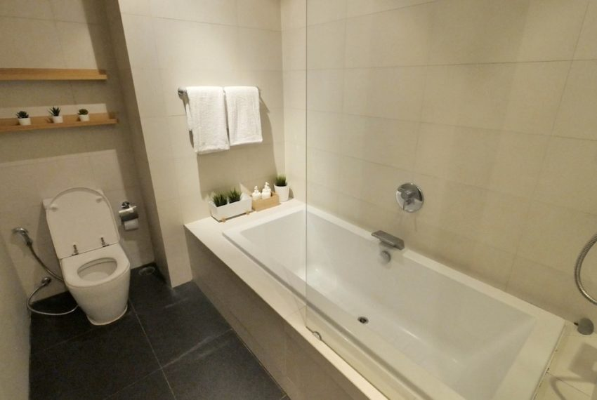 8 thonglor_Bathroom_Sale