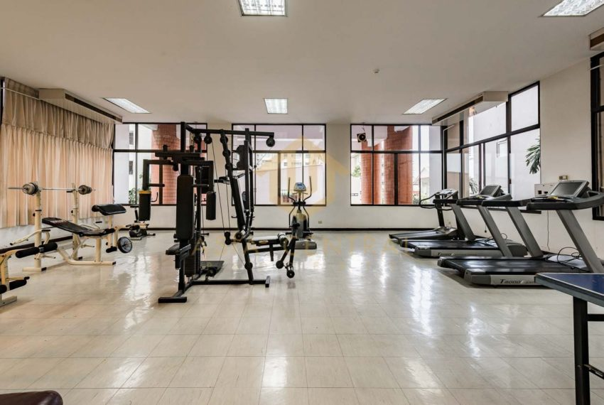 Acadamia Grand Tower - fitness