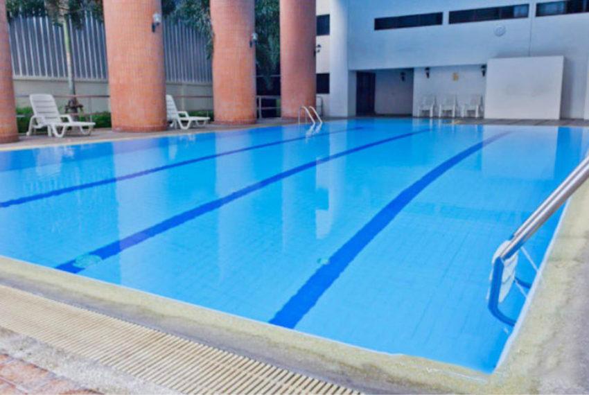 Acadamia Grand Tower - swimming pool
