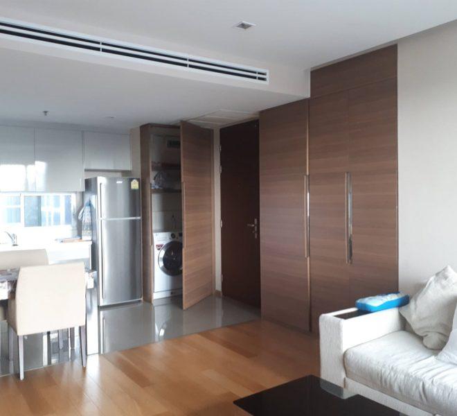 Address Asoke high floor for rent - living