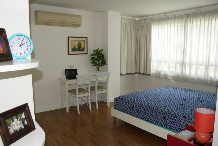 Affordable 2 Bedroom Condo in Thong Lo - bed