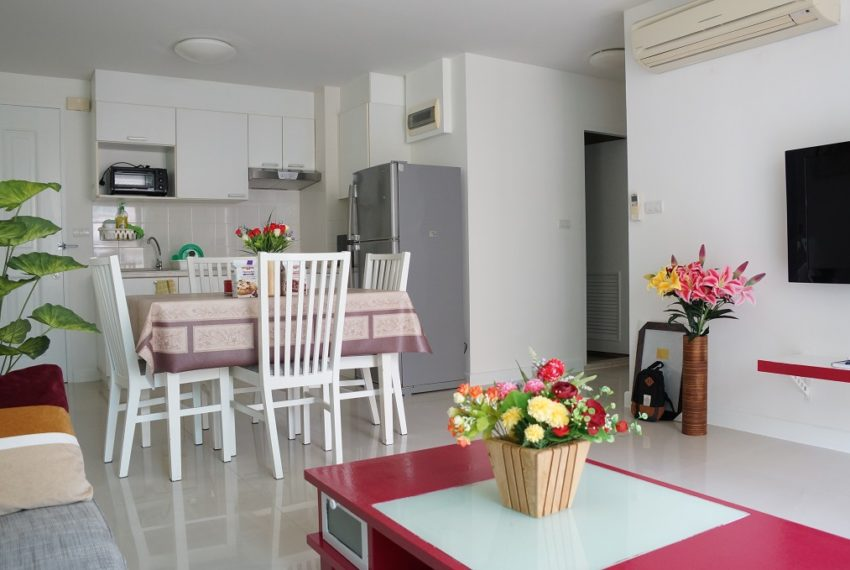 Affordable 2 Bedroom Condo in Thong Lo - dinning