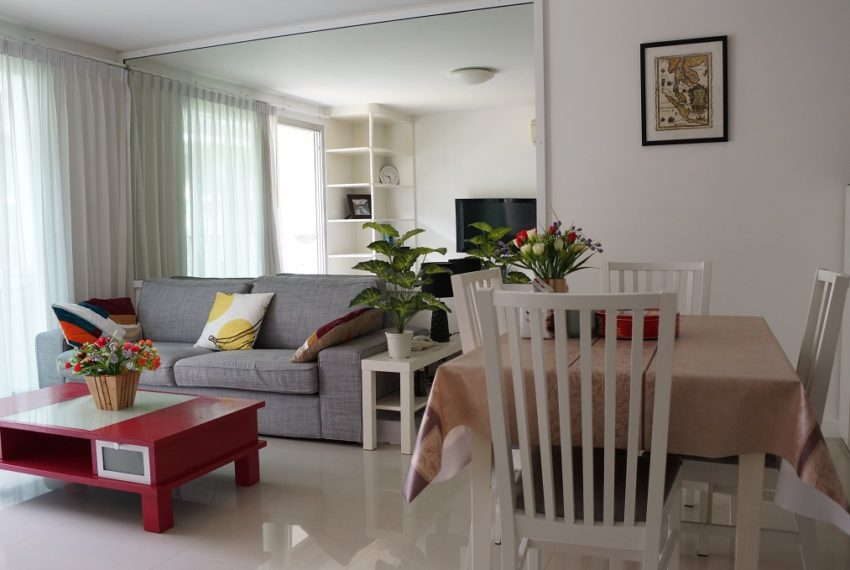 Affordable 2 Bedroom Condo in Thong Lo - living area