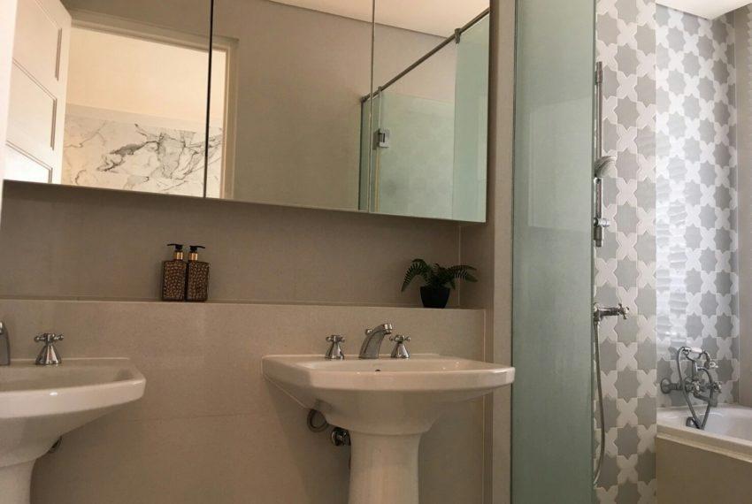 Aguston Sukhumvit 22 2bedroom for sale and rent - bathtub