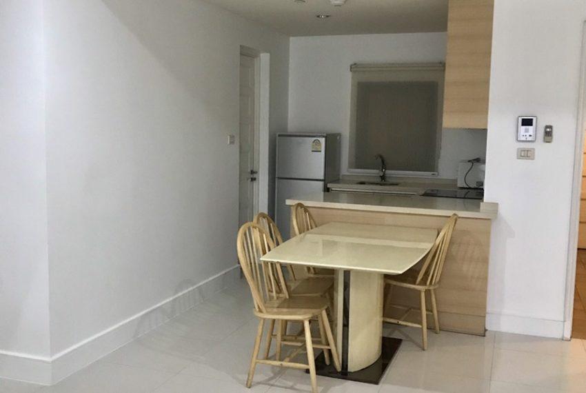 Aguston Sukhumvit 22-2bedroom-rent-mid-floor-kitchen