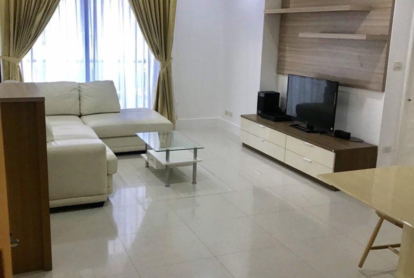 Aguston Sukhumvit 22-2bedroom-rent-mid-floor-living