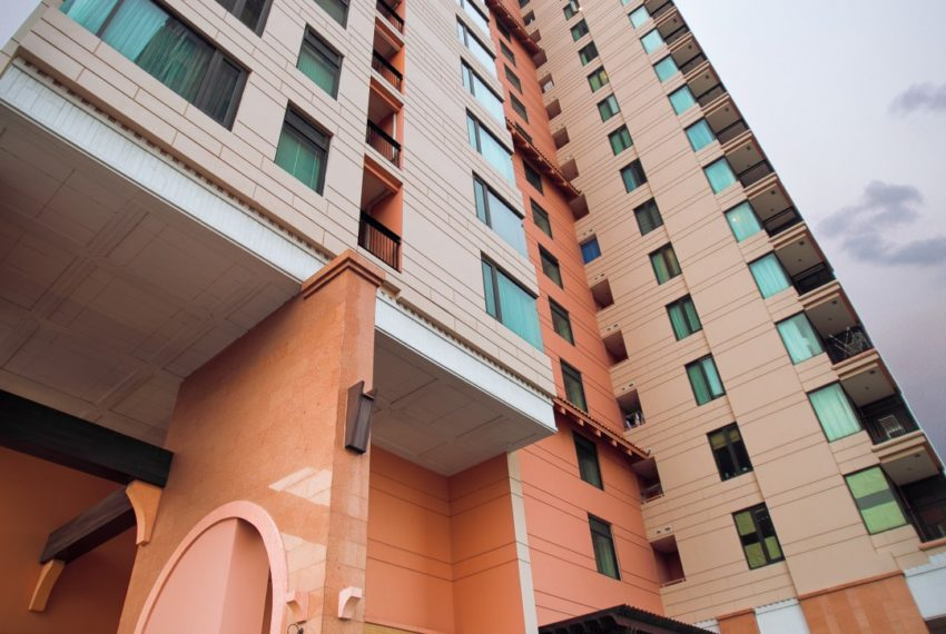 Aguston Sukhumvit 22 - building