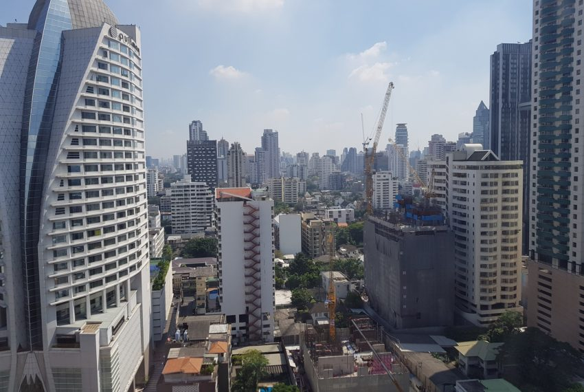 Ashton-Asoke-1b1b-rent-mid-high-floor-East-view