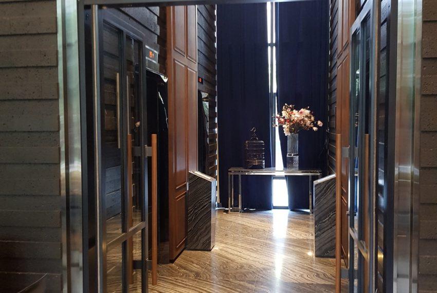 Ashton-Asoke-elevator