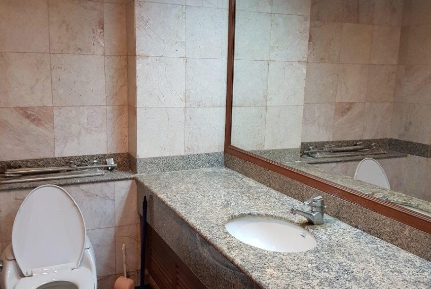 Asoke Place Condominium 3-bedroom for rent - 2 bathrooms