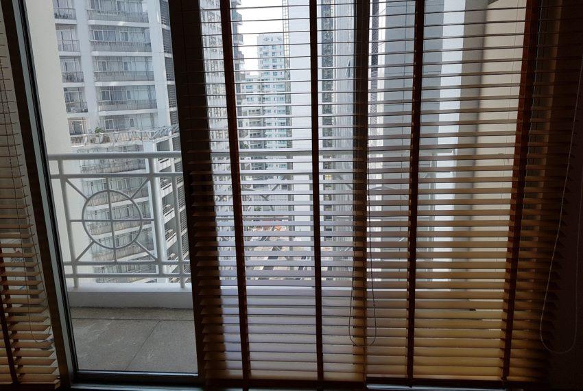 Asoke Place Condominium 3-bedroom for rent - balcony