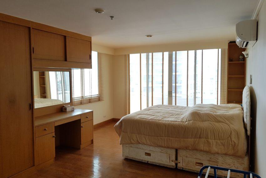 Asoke Place Condominium 3-bedroom for rent - bedroom 1