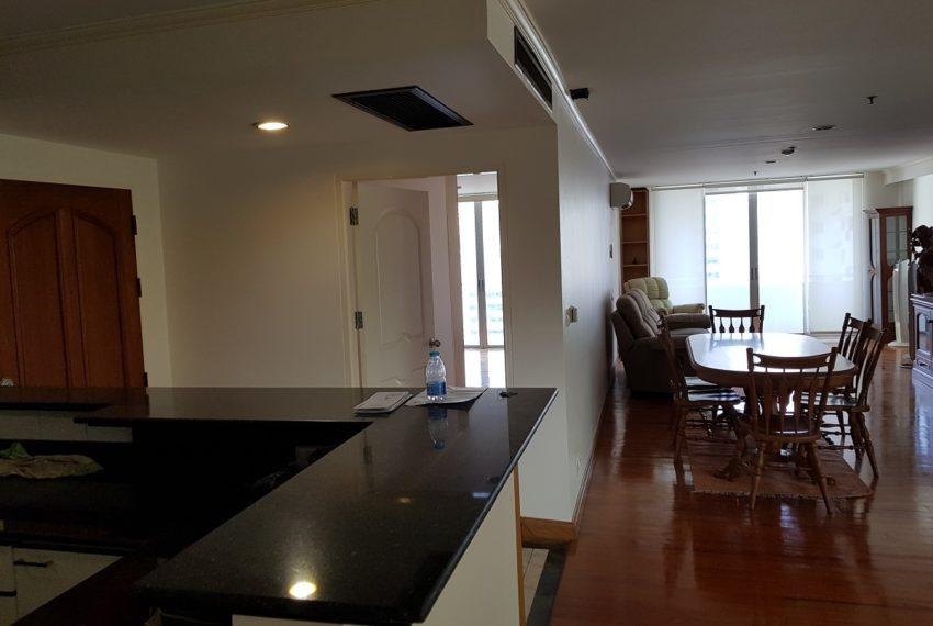 Asoke Place Condominium 3-bedroom for rent - big unit