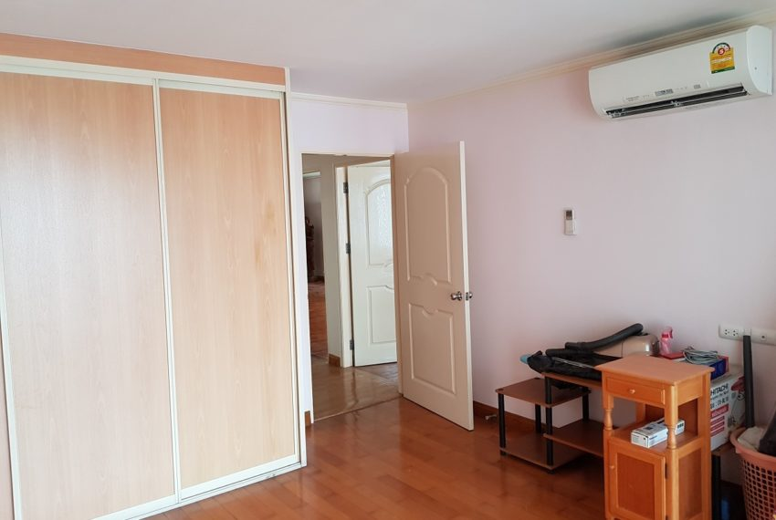 Asoke Place Condominium 3-bedroom for rent - furnished
