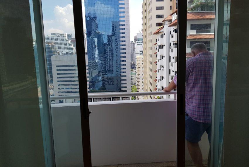 Asoke Place Condominium 3-bedroom for rent - many balconies