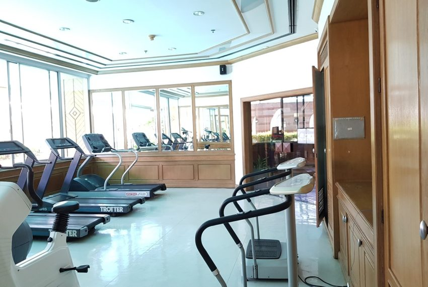 Asoke Place Condominium on Sukhumvit 21 - full size fitness room
