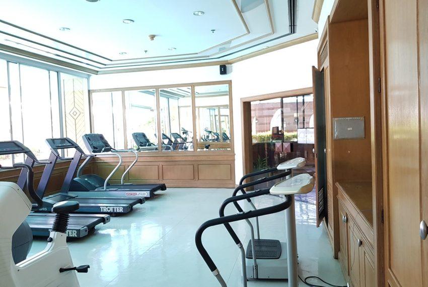 Asoke Place Condominium on Sukhumvit 21 - full size fitness room