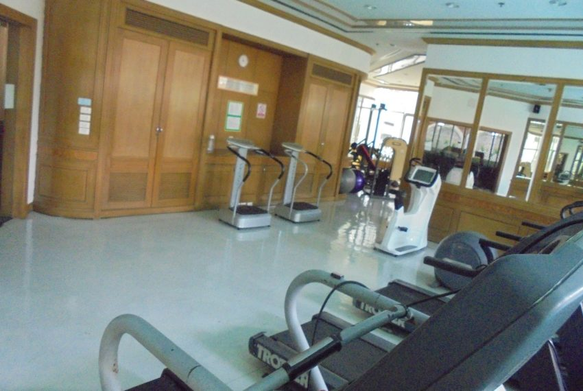 Asoke Place gym 02