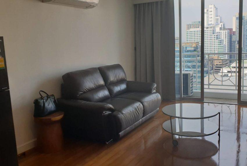 Asoke Place - rent on high floor - 1b1b - 25k - living room