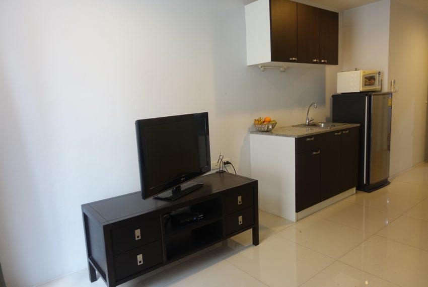 Asoke-Tower-1-bedroom-rent-flat-TV