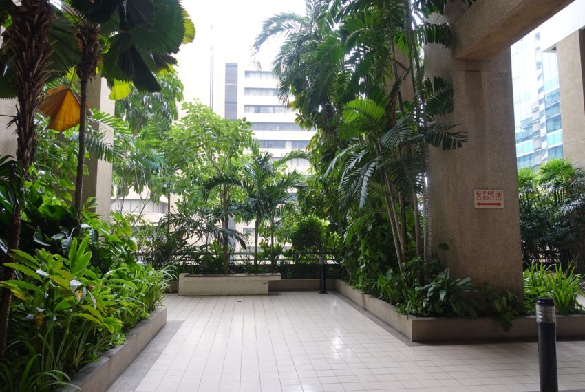 Asoke-Tower-Garden
