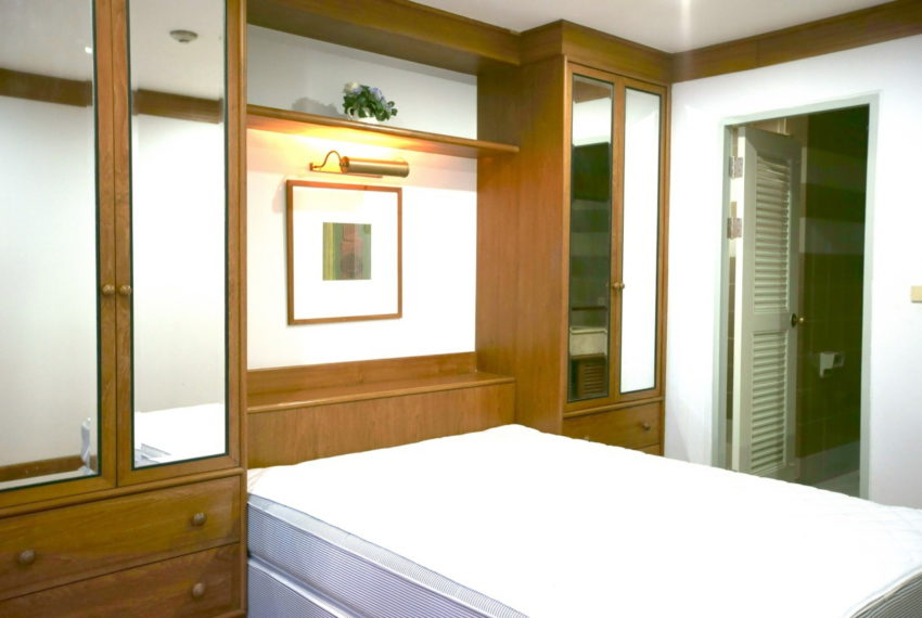 Asoke-Tower-Sale-3-bedroom-mid-floor-bedroom3