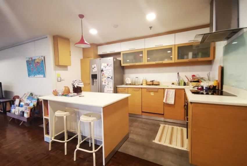 Asoke Tower _Sale_3 beds 2 baths_Kitchen