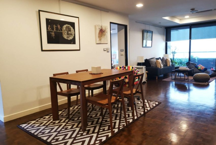 Asoke Tower _Sale_3 beds 2 baths_Living room 3