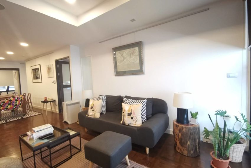 Asoke Tower _Sale_3 beds 2 baths_Living room 5