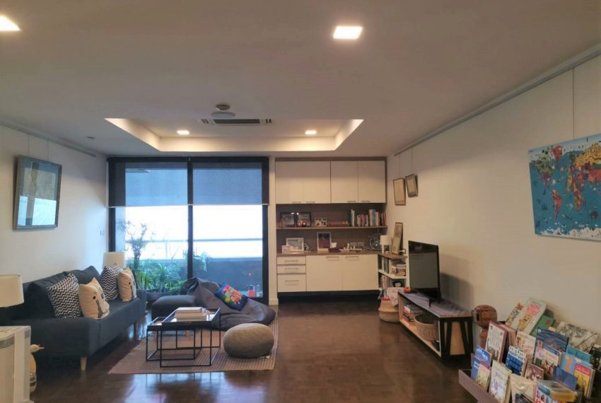 Asoke Tower _Sale_3 beds 2 baths_Living room 6