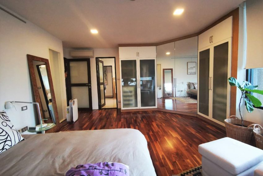 Asoke Tower _Sale_3 beds 2 baths_Master bedroom 2
