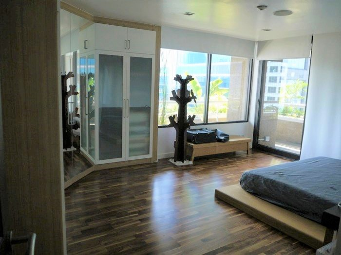 Asoke Tower _Sale_3 beds 2 baths_Master bedroom