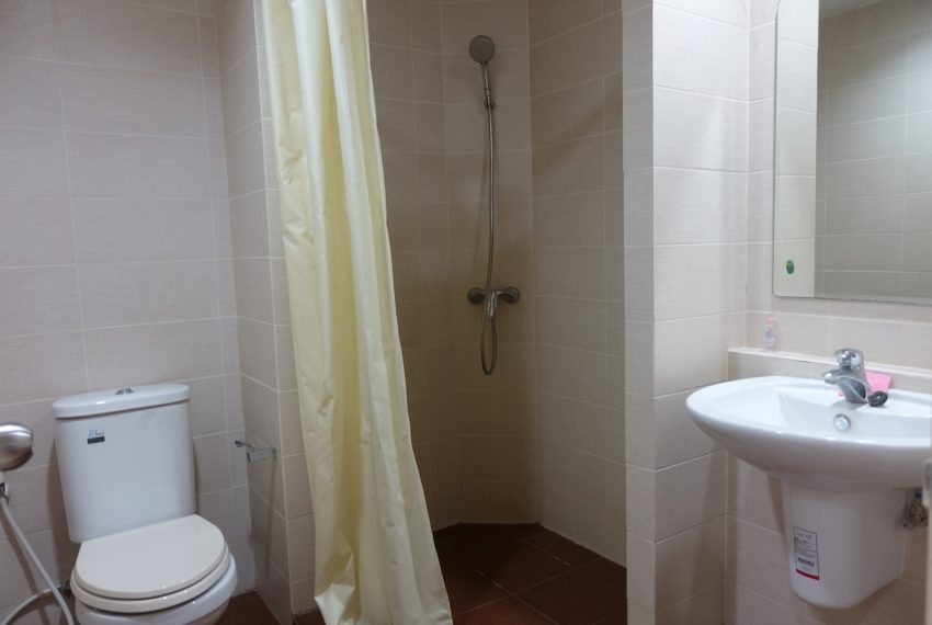 Asoke-Tower-mid-floor-1-bedroom-rent-bathroom