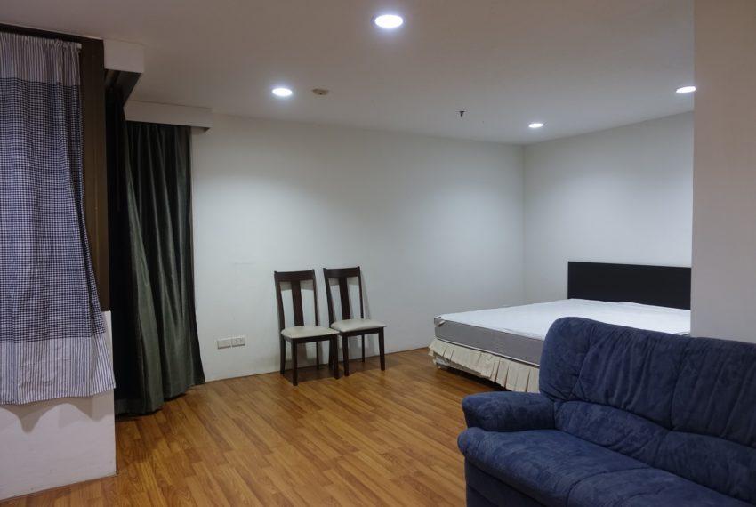 Asoke-Tower-mid-floor-1-bedroom-rent-bed